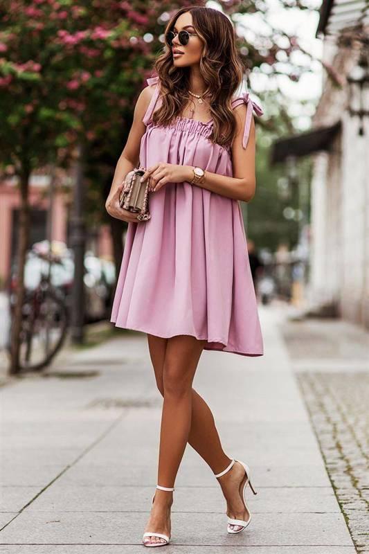 andi z wiązaniami na ramionach różowa elegancka mini sukienka falbaną
