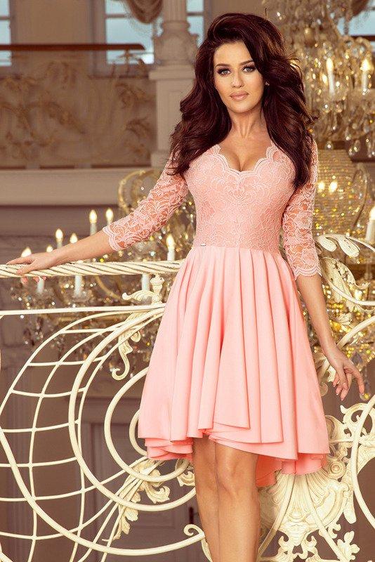 NICOLLE - sukienka z dłuższym tyłem -pudrowy