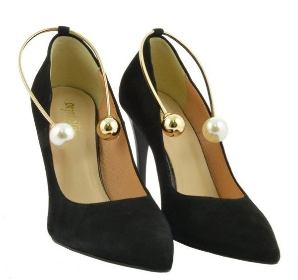 Skórzane buty szpilki czółenka czarne z perłami  C760