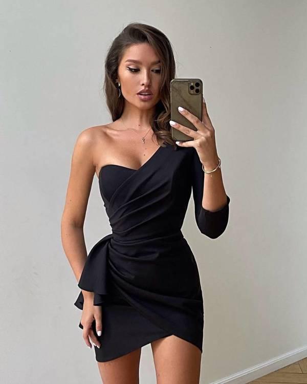 Sukienka Queeny - czarny