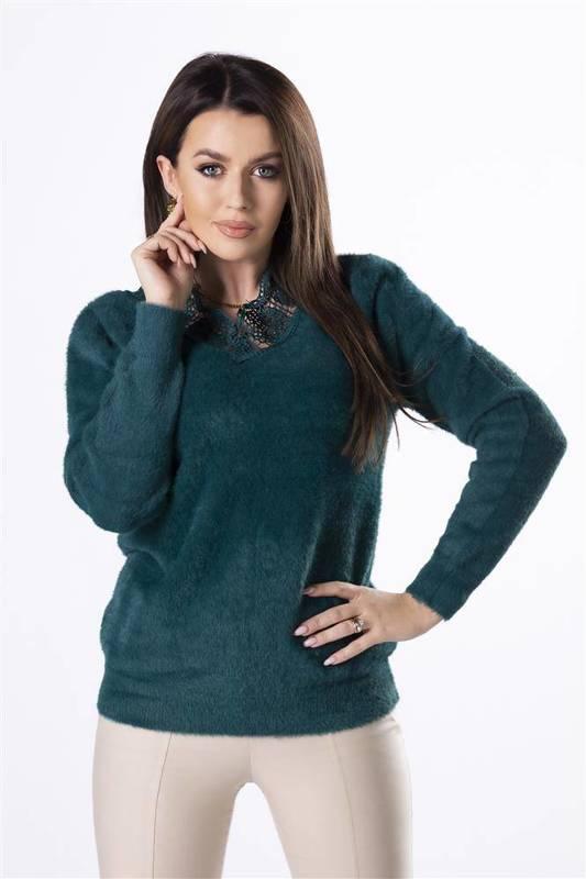 futerkowy sweter z koronkową lamówką